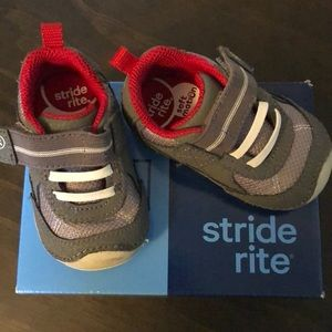Stride Rite boys Tennis Shoes